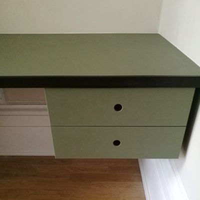 lino desk with floating drawers